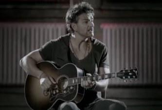 Ricardo Arjona – Nada Es Como Tú (Acústico)[Official Video]